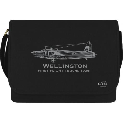 Wellington Classic First Flight Canvas Messenger Bag